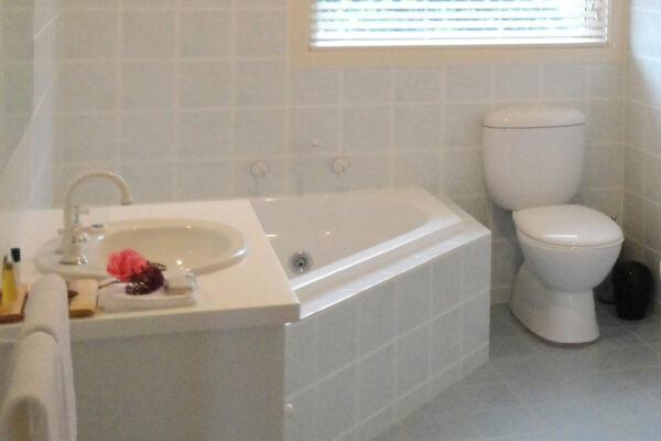 Lodge_Bathroom